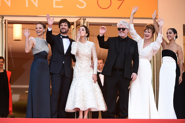 "Beige「""Julieta"" - Red Carpet Arrivals - The 69th Annual Cannes Film Festival」:写真・画像(6)[壁紙.com]"