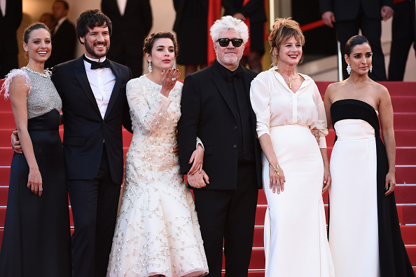 "Beige「""Julieta"" - Red Carpet Arrivals - The 69th Annual Cannes Film Festival」:写真・画像(8)[壁紙.com]"