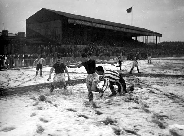 Soccer「Football In Snow」:写真・画像(6)[壁紙.com]