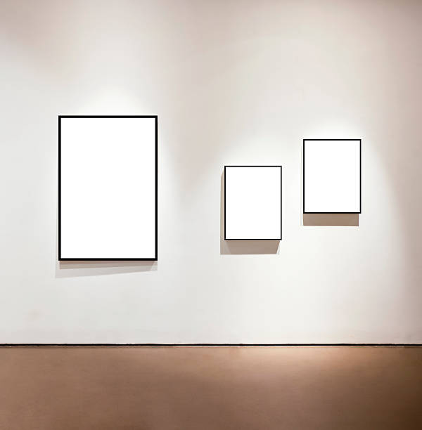 Blank frames on the wall at art gallery:スマホ壁紙(壁紙.com)