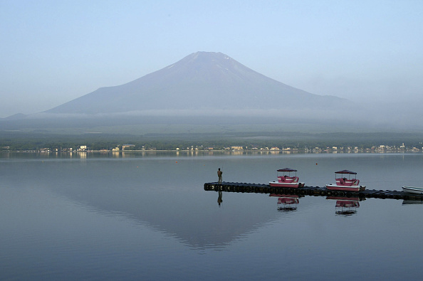 Mount Fuji「Mount Fuji is Opened For The Climbing Season」:写真・画像(11)[壁紙.com]