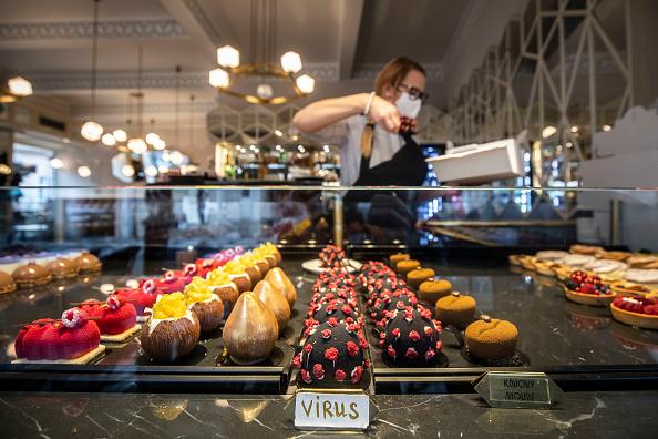 Dessert「Daily Life As Prague Adapts To Tougher Covid-19 Measures」:写真・画像(2)[壁紙.com]