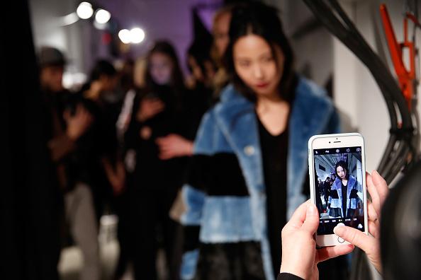 ニューヨークファッションウィーク「Marissa Webb - Backstage - Fall 2016 New York Fashion Week: The Shows」:写真・画像(3)[壁紙.com]