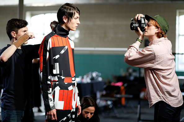 London Fashion Week「TOPMAN Design - Backstage - LFWM June 2017」:写真・画像(15)[壁紙.com]