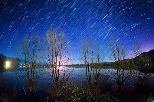 star sky「Night view of Nian Lake in Huize County,Yunnan Province,China」:スマホ壁紙(1)
