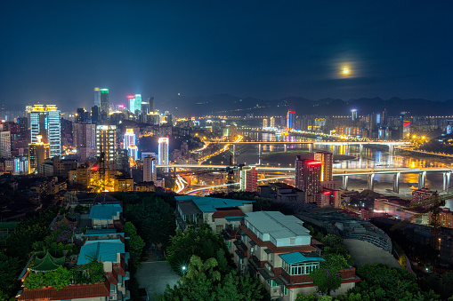 月「Night view of Chongqing City,China」:スマホ壁紙(1)