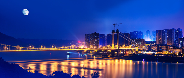 月「Night view of Chongqing City,China」:スマホ壁紙(7)