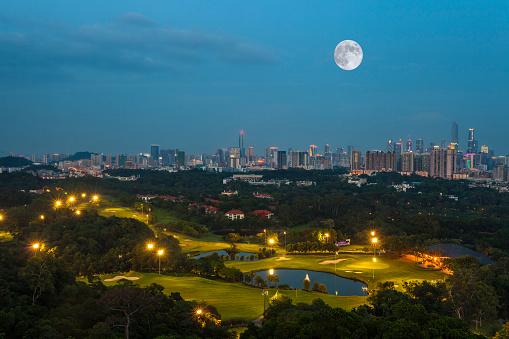 月「Night view of Guangzhou City,Guangdong Province,China」:スマホ壁紙(16)