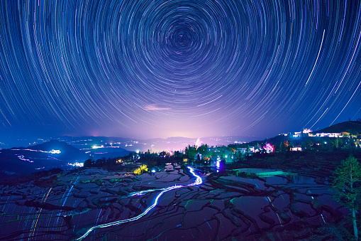 star sky「Night view of terraced fields in Yuanyang,Yunnan Province,China」:スマホ壁紙(3)
