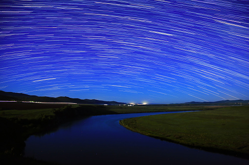 草地「Night view of Hulun Buir Grassland in Inner Mongolia」:スマホ壁紙(6)
