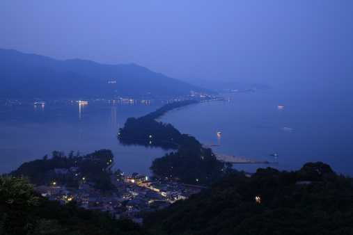 京都の夜「Night View of Ama-no-hashidate, Miyazu, Kyoto, Japan」:スマホ壁紙(17)