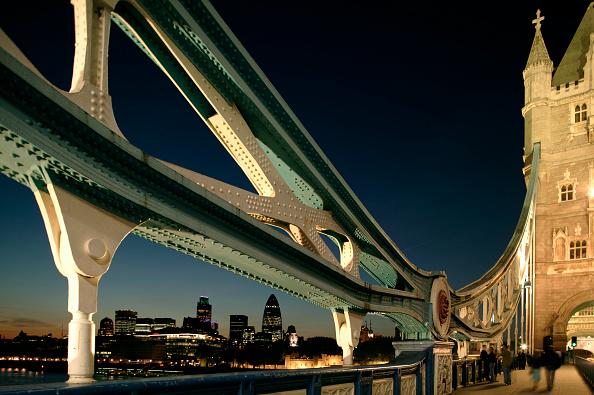 skyscraper「Night view of the City of London from Tower Bridge, London, UK」:写真・画像(15)[壁紙.com]