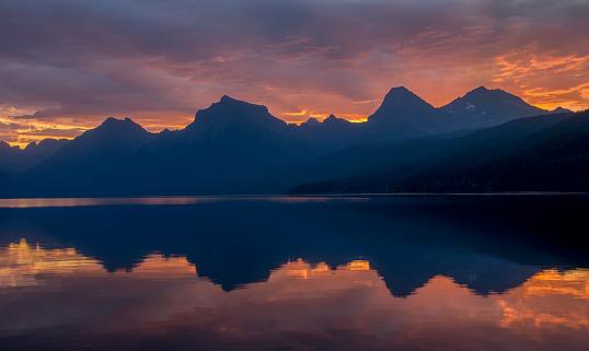 McDonald Lake「Glacier National Park」:スマホ壁紙(17)