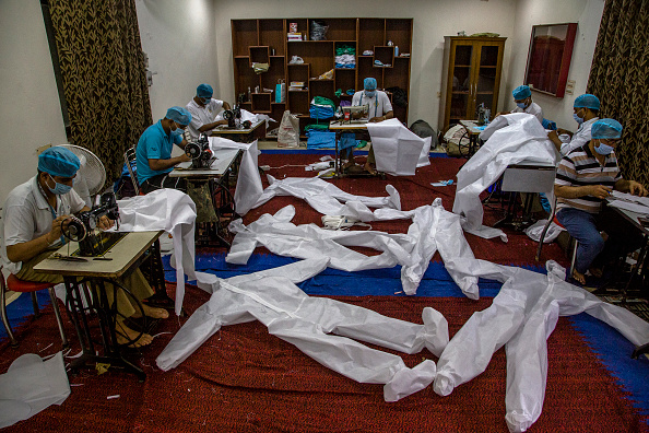 Delhi「India Step Up Production On PPE To Contain Spread Of The Coronavirus」:写真・画像(14)[壁紙.com]