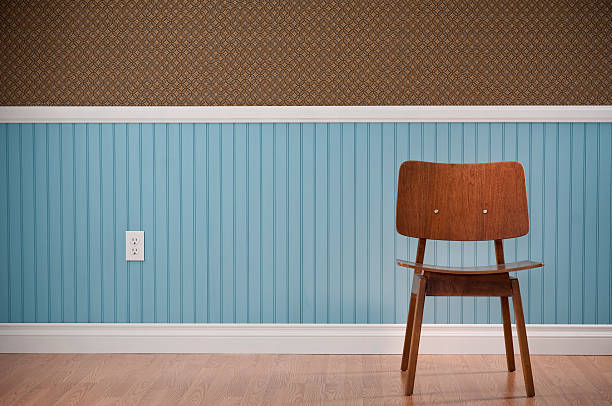 Brown Chair In Empty Room:スマホ壁紙(壁紙.com)