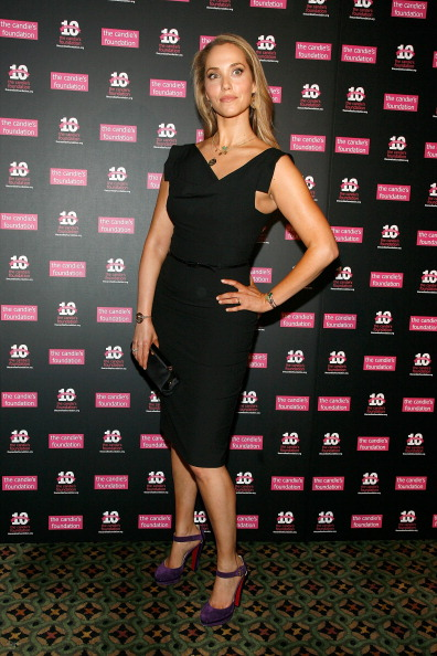 Pencil Dress「The Candie's Foundation 2011 Event To Prevent Benefit Gala」:写真・画像(7)[壁紙.com]
