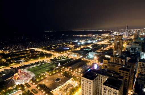 Postmodern「Wide Aerial View of Chicago Lakefront at Night」:スマホ壁紙(1)