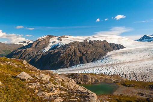 Exit Glacier「The Harding Icefield Trail with the Kenai Mountains, Exit Glacier, and an unnamed lake in the background, Kenai Fjords National Park, Kenai Peninsula, South-central Alaska」:スマホ壁紙(10)