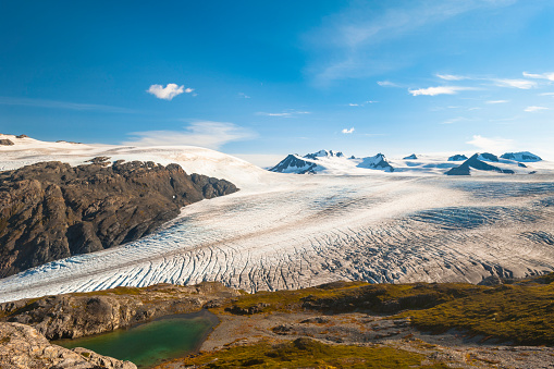 Exit Glacier「The Harding Icefield Trail with the Kenai Mountains, Exit Glacier, and an unnamed lake in the background, Kenai Fjords National Park, Kenai Peninsula, South-central Alaska」:スマホ壁紙(4)