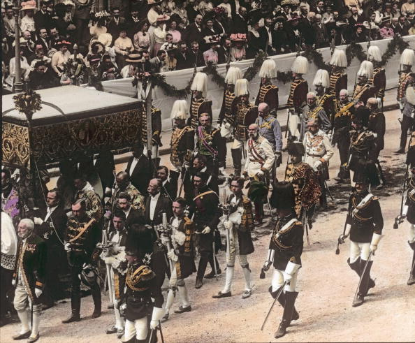 City Life「Feast of Corpus Christi procession. An annualy major event of the Austro-Hungarian Empire. Emperor Franz Joseph I. escorted by royal pages and life guards. Vienna. Hand-colored lantern slide. Around 1910.」:写真・画像(6)[壁紙.com]