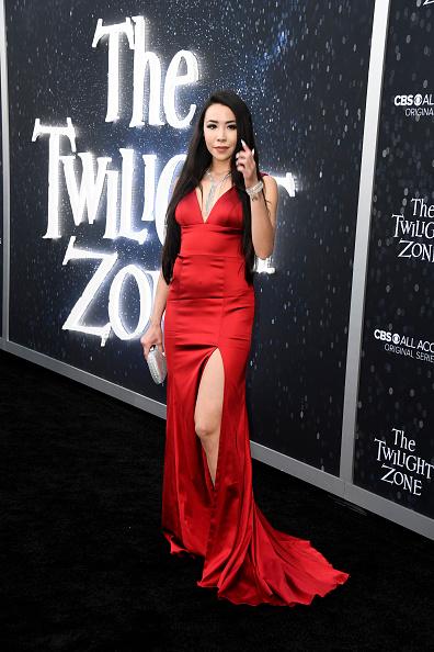 "Silver Purse「CBS All Access New Series ""The Twilight Zone"" Premiere - Arrivals」:写真・画像(9)[壁紙.com]"