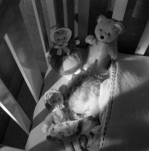 Glowing「Sound Asleep」:写真・画像(1)[壁紙.com]