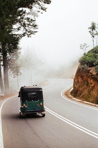 Sri Lanka「Tuk-tuk taxi on the road in moutnains in Sri Lanka」:スマホ壁紙(0)