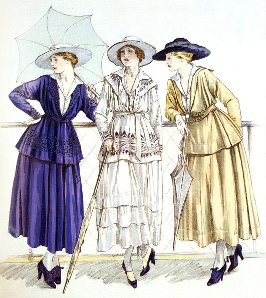 """1910-1919「Jersey suit, models by Gabrielle Chanel published in magazine """"Les elegances parisiennes"""", march 1917」:写真・画像(18)[壁紙.com]"""