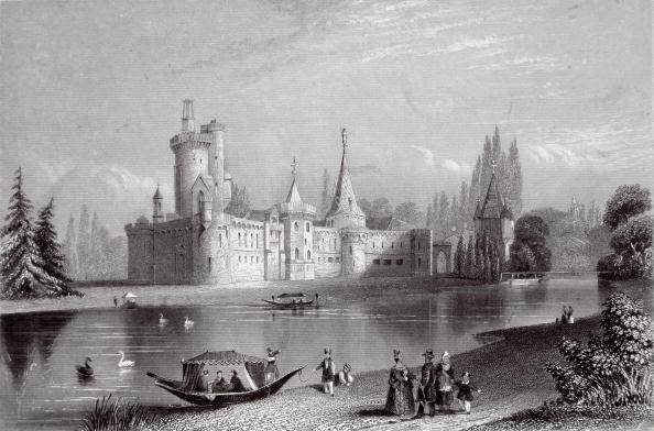 Engraving「Castle Franzensburg in the park of castle Schloss Laxenburg, Steel engraving around 1850」:写真・画像(13)[壁紙.com]