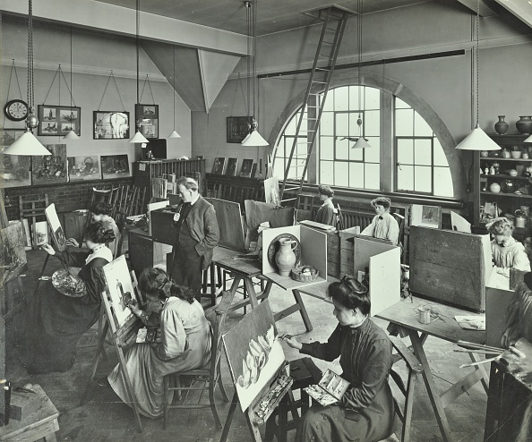 Hammersmith「Female Students Painting Still Lifes, Hammersmith School Of Arts And Crafts, London, 1910.  Artist: Unknown.」:写真・画像(17)[壁紙.com]
