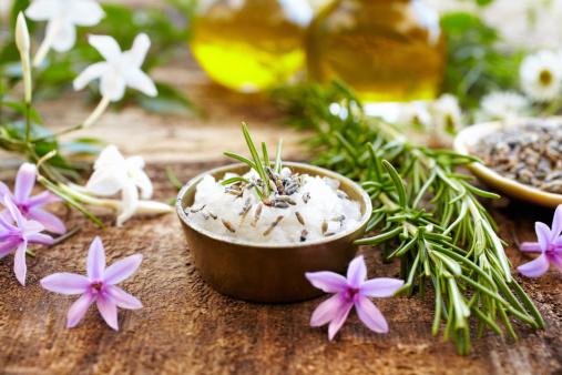 Feng Shui「Still life of herbs, massage oil, mud mask, rosemary, salt」:スマホ壁紙(14)