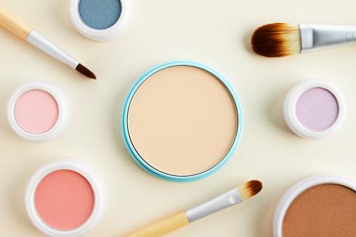 ファッション・コスメ「still life of beauty products」:スマホ壁紙(13)