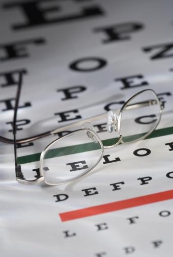 Optometrist「Still life of eye chart and glasses」:スマホ壁紙(10)