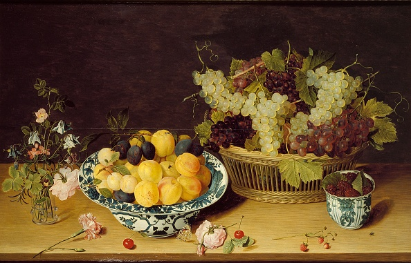 The Natural World「Still Life Of Fruit And Flowers」:写真・画像(12)[壁紙.com]