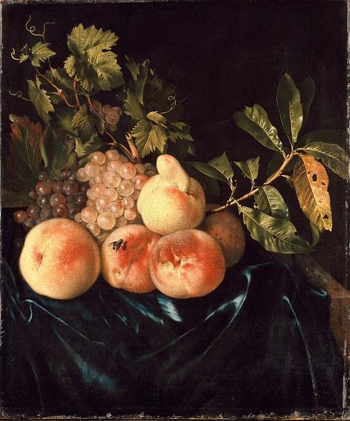静物「Still Life Of Peaches And Grapes」:写真・画像(6)[壁紙.com]