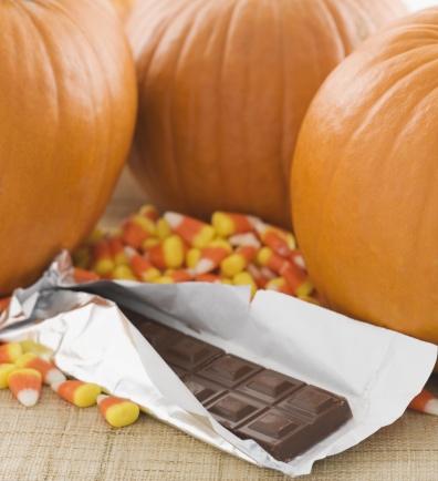 トリックオアトリート「Still life of pumpkins and candy」:スマホ壁紙(14)