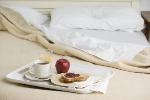 Tray「Still life of breakfast tray on bed」:スマホ壁紙(17)