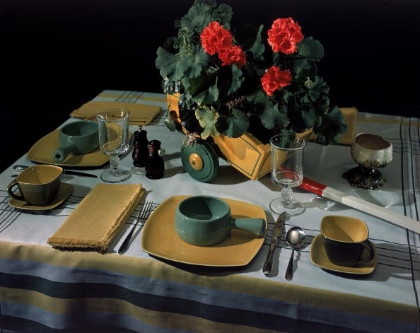Plate「Still Life With Model Place Settings」:写真・画像(16)[壁紙.com]