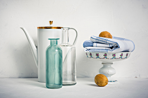 Floral Pattern「Still life with coffee pot, glass bottles, bowl, towel and lemons」:スマホ壁紙(5)