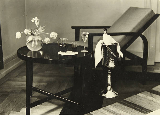 Still Life With Table And Vase:ニュース(壁紙.com)