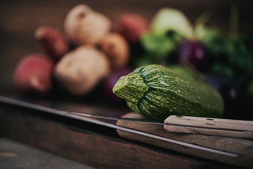 Homegrown Produce「Still life of assorted vegetables shot in dark moody light」:スマホ壁紙(7)