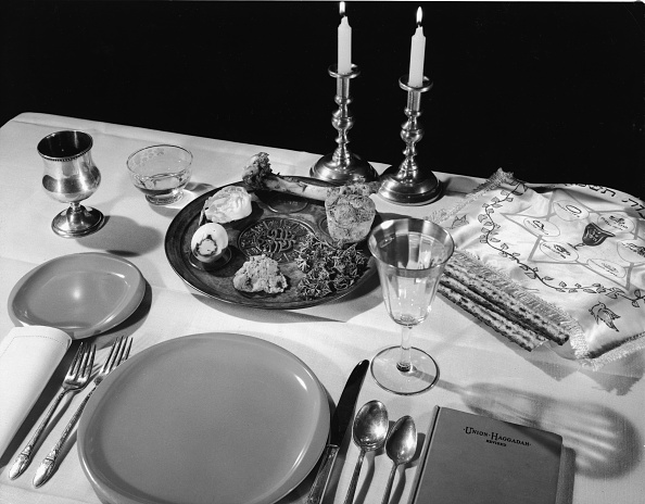 Table「Table Set For Passover」:写真・画像(0)[壁紙.com]