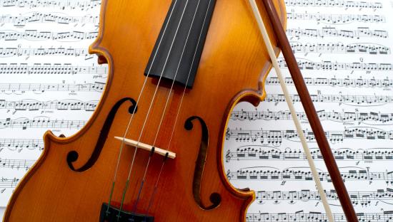 Violin「Violin on classical sheet music」:スマホ壁紙(11)