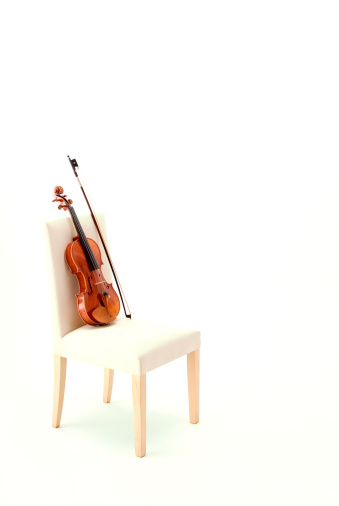 Violin「Violin on chair」:スマホ壁紙(11)