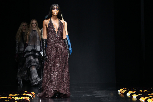 Black Glove「Roberto Cavalli: Runway - Milan Fashion Week Womenswear Autumn/Winter 2012/2013」:写真・画像(13)[壁紙.com]