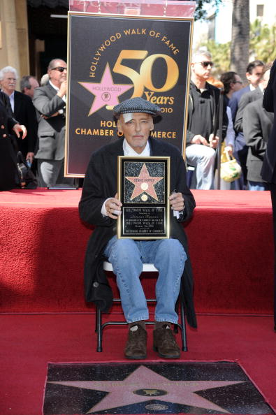 One Man Only「Dennis Hopper Honored On The Hollywood Walk Of Fame」:写真・画像(19)[壁紙.com]