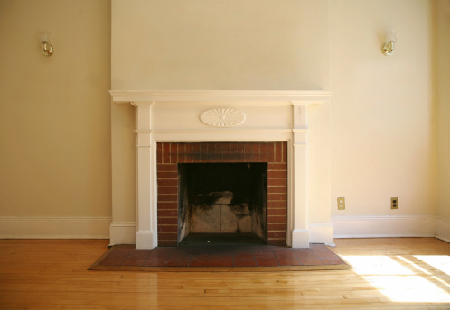 Architectural Feature「Fireplace In Empty Living Room」:スマホ壁紙(15)