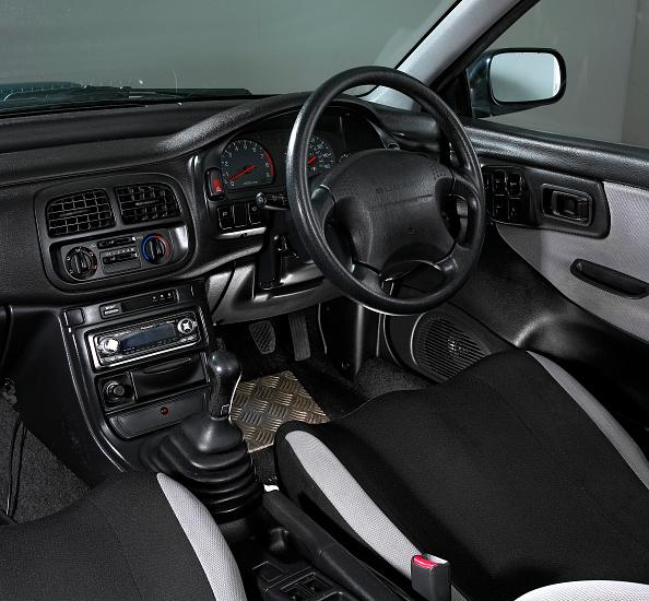 Environmental Conservation「1997 Subaru Impreza Turbo」:写真・画像(11)[壁紙.com]