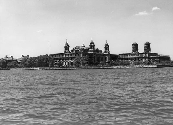Peter Keegan「Ellis Island」:写真・画像(9)[壁紙.com]