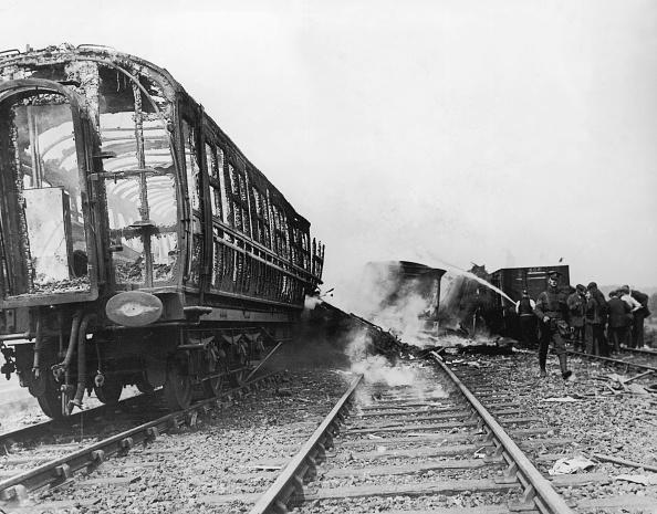 Train Crash「Skeleton Coach」:写真・画像(2)[壁紙.com]